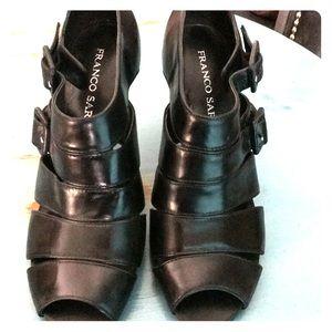 Black heels with open toe. Franco Sarto